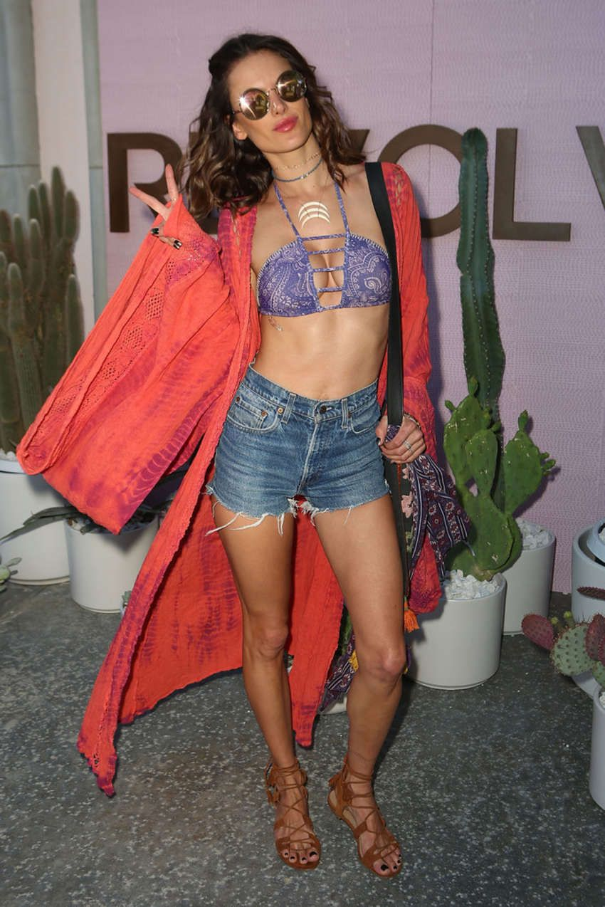 Alessandra Ambrosio - REVOLVE Desert House in Thermal