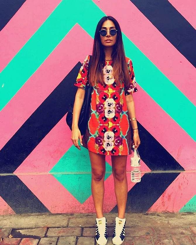 How to wear HOT summer colours