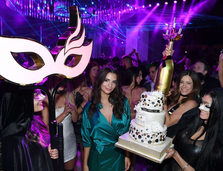 Emily Ratajkowski - Celebrating Her Birthday in Las Vegas
