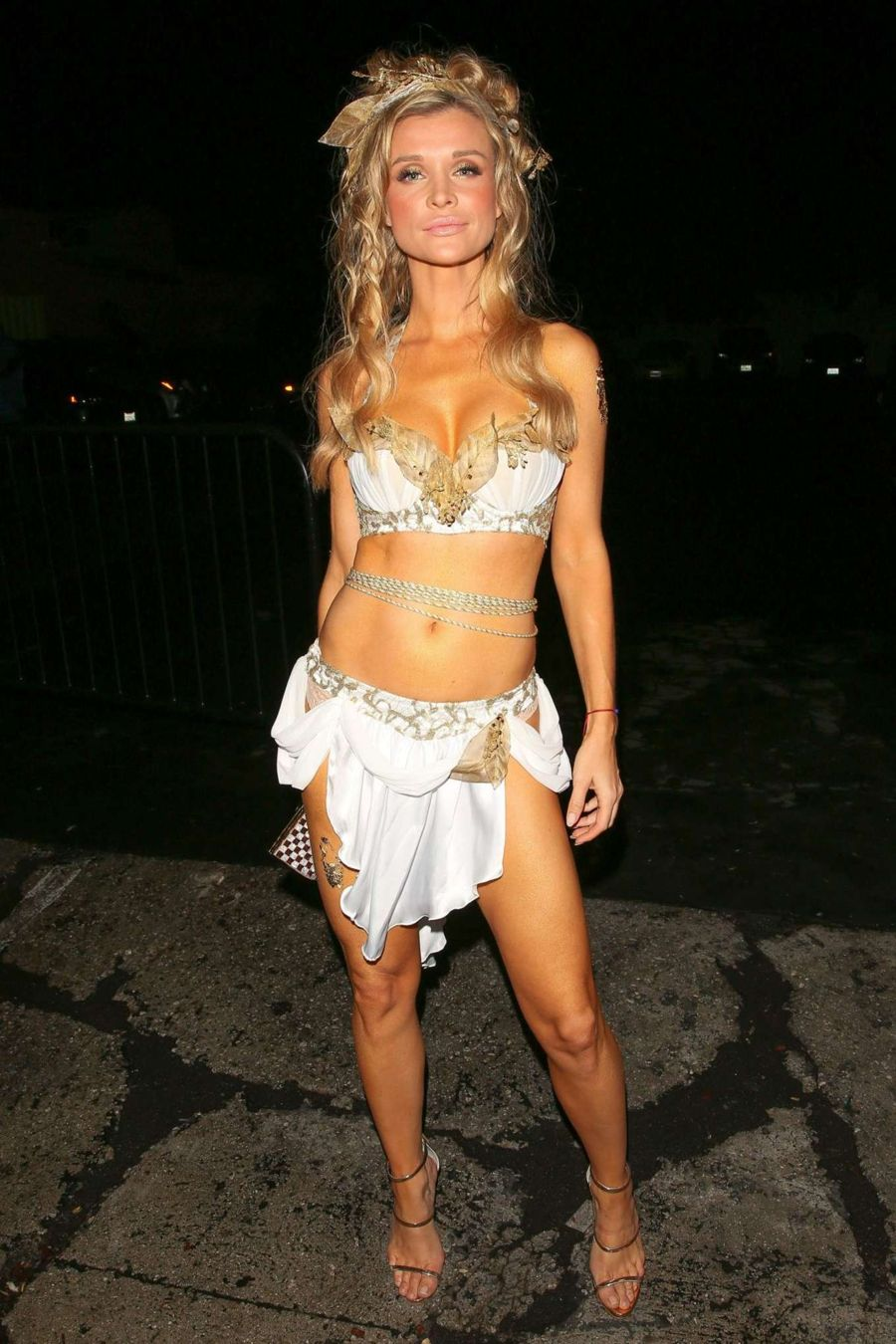 joanna krupa at halloween party in west hollywood - Halloween Parties In Hollywood