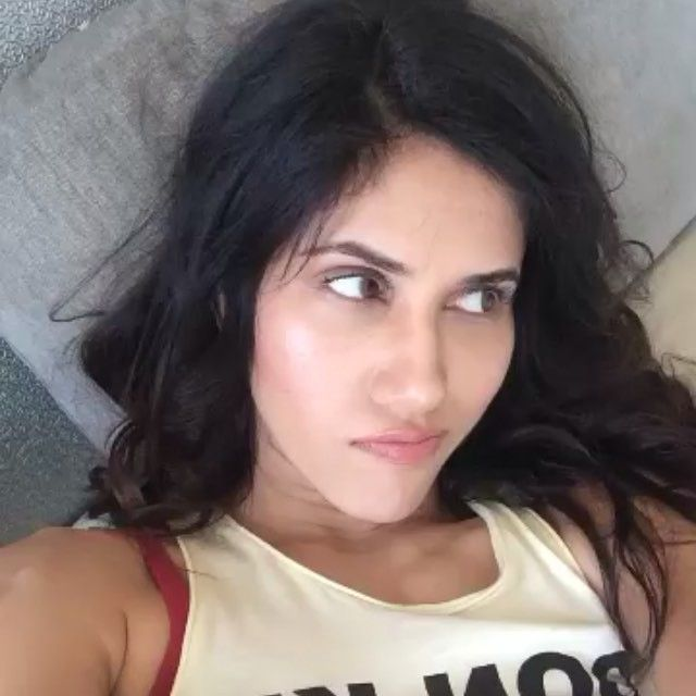 Sonnalli Seygall's Instagram Pics Collection