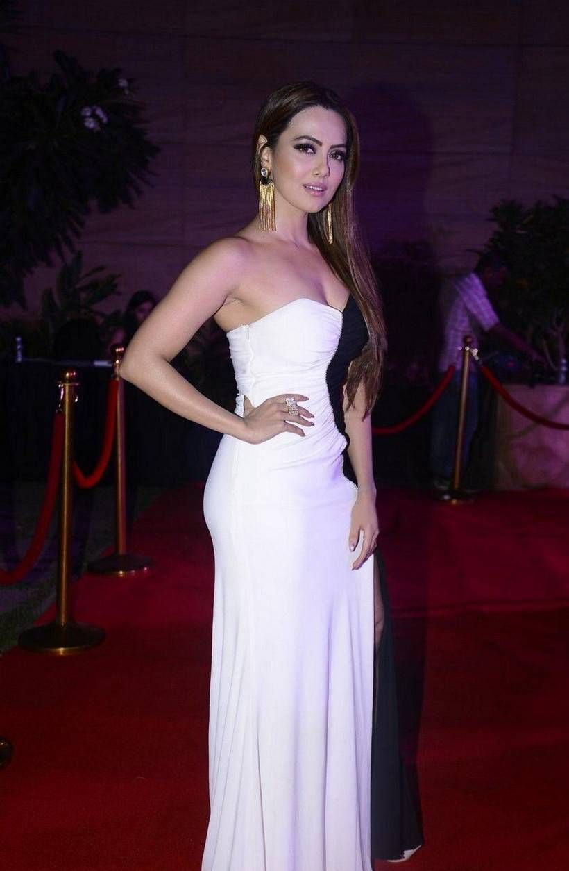 Actress Sana Khan At Spa Hair Heroes Awards Party