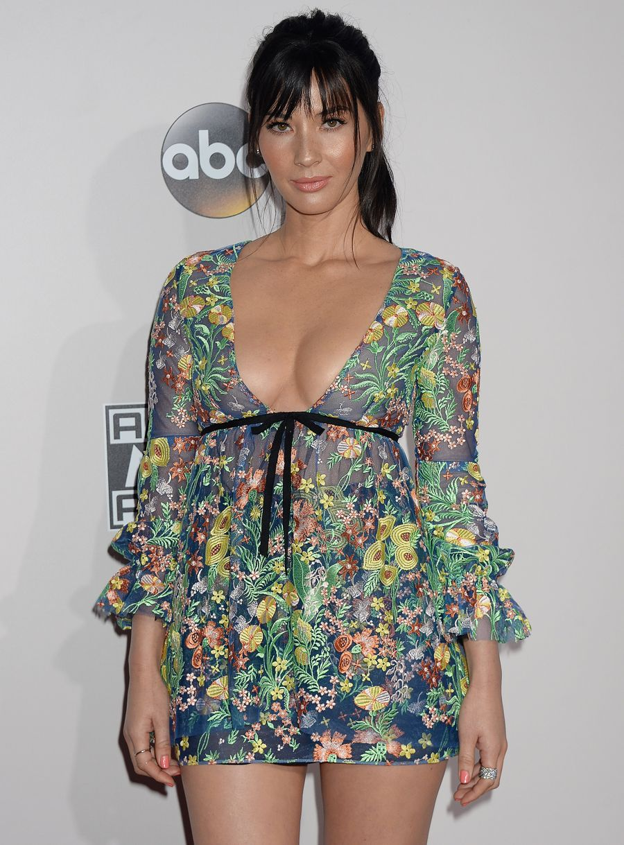 Olivia Munn - 2016 American Music Awards in Los Angeles