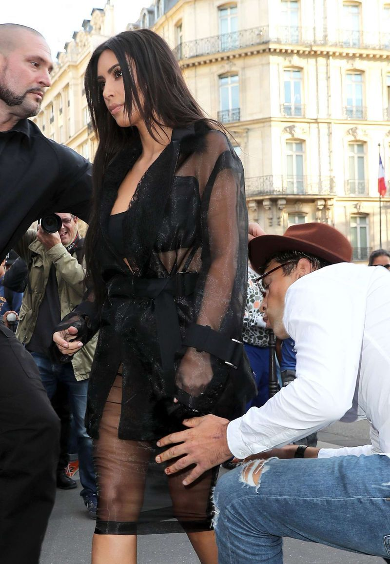 Kim Kardashian attacked in Paris