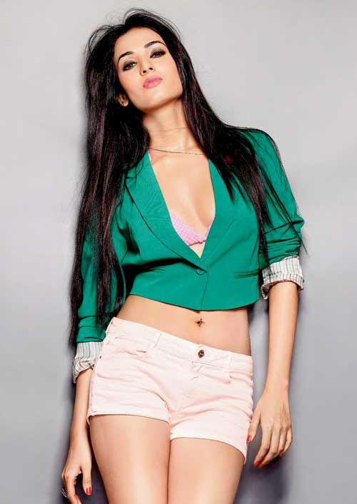Sonal Chauhan Proposed by Ankit Tiwari Now