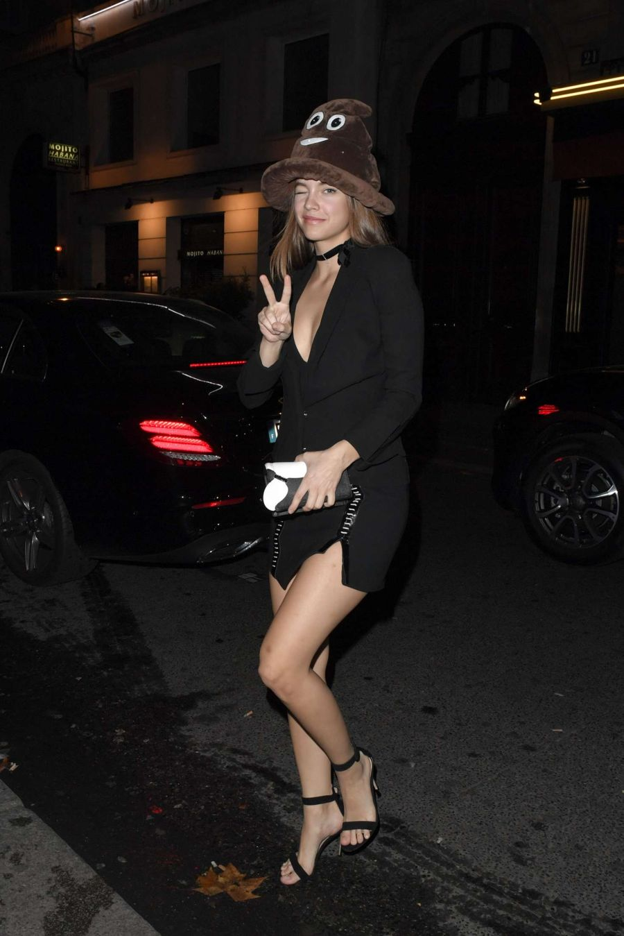 Barbara Palvin at night club in Paris