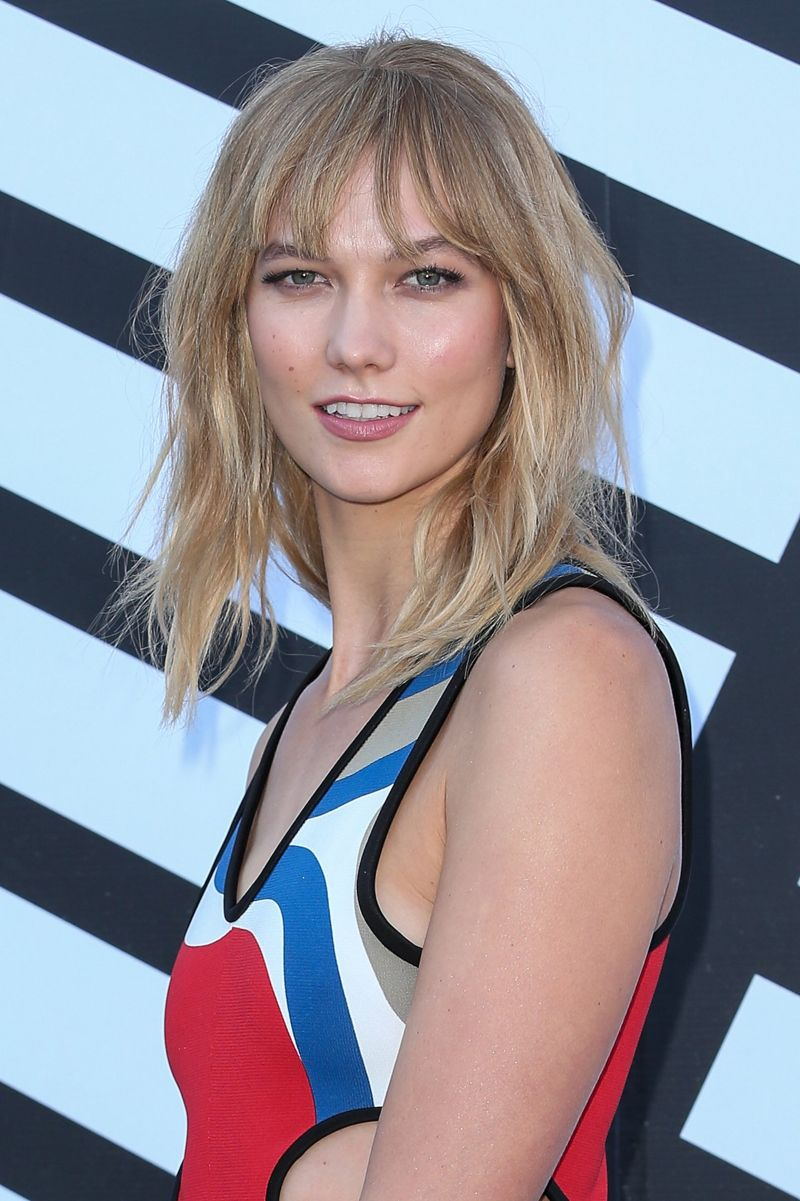 Karlie Kloss Louis Vuitton Fashion Show in Paris