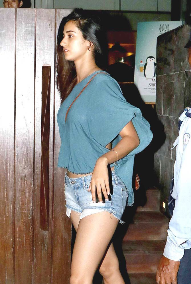 Disha Patani on Date with Tiger Shroff in Bandra