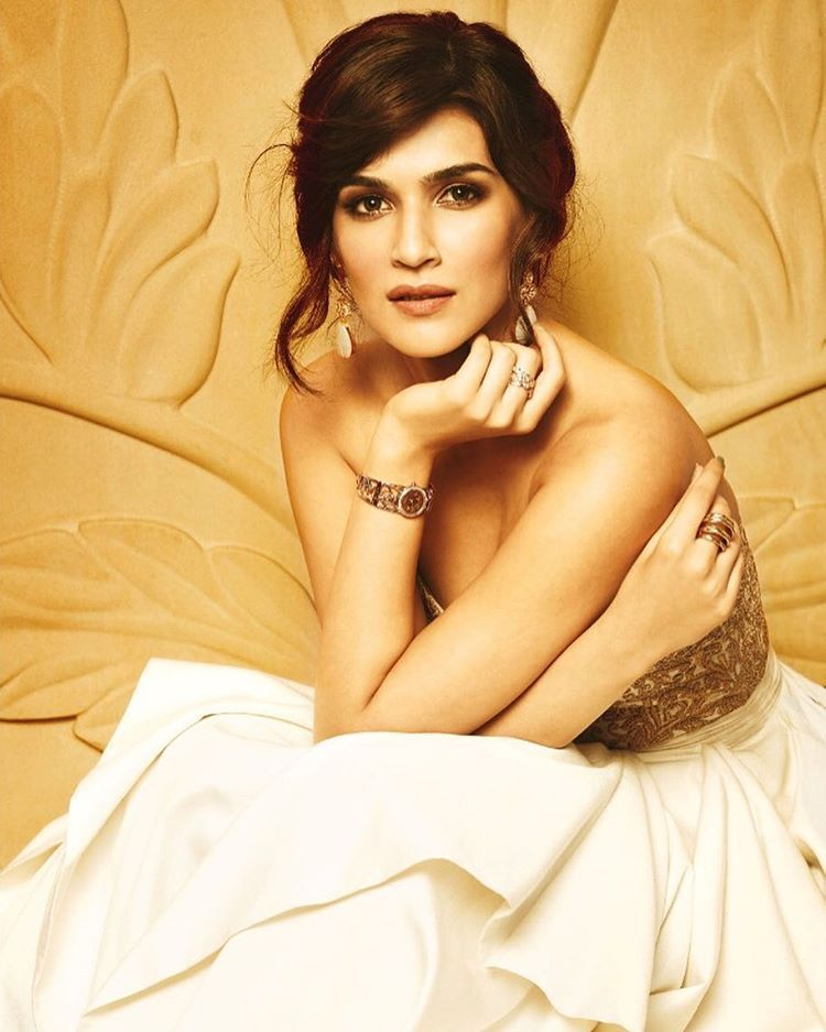 Kriti Sanon Looks Ethereal In These Latest Pose