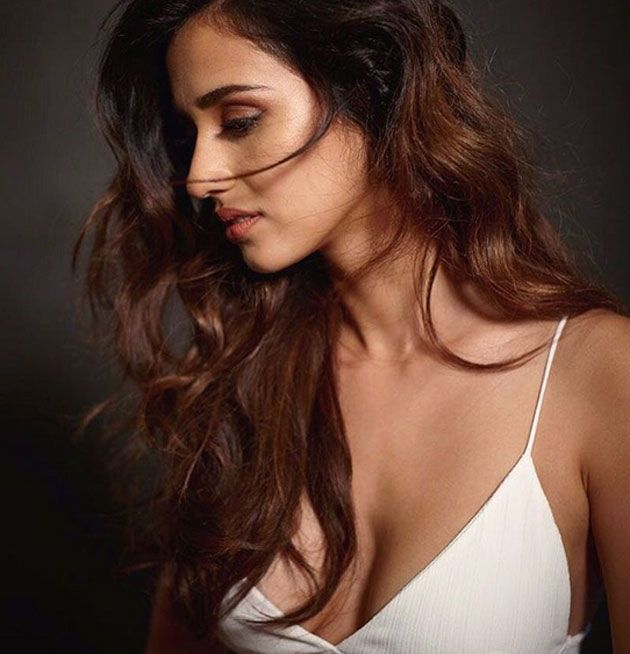 Pics of Disha Patani Proves She Is An Absolute Bombshell