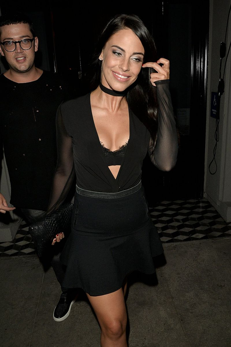 Jessica Lowndes dines out in West Hollywood