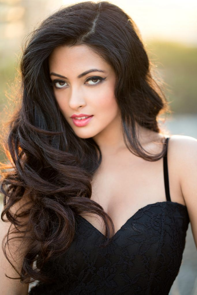 Riya Sen is Back in 'Dark Chocolate'