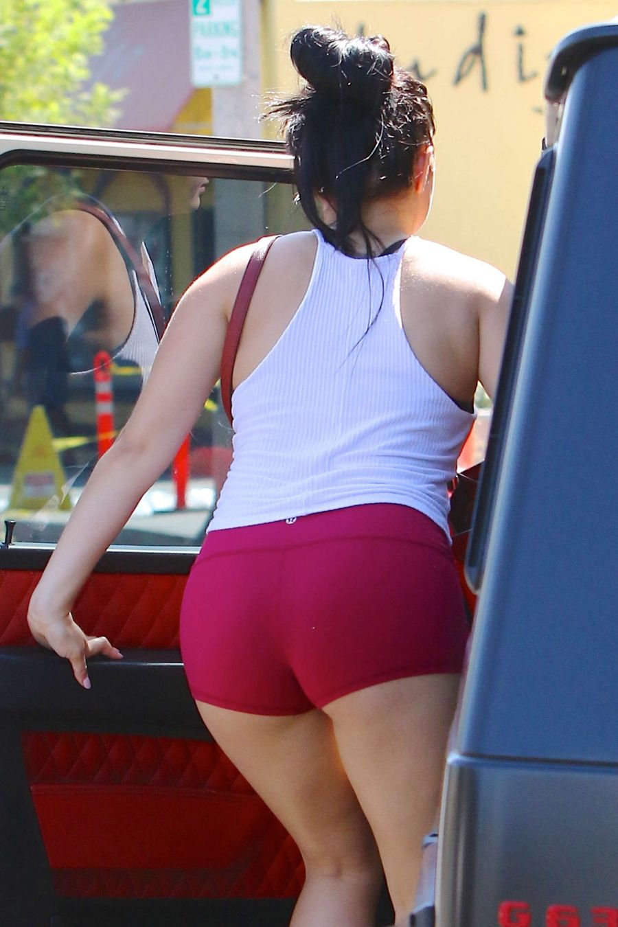 Ariel Winter Leaving a Yoga Class in Studio City