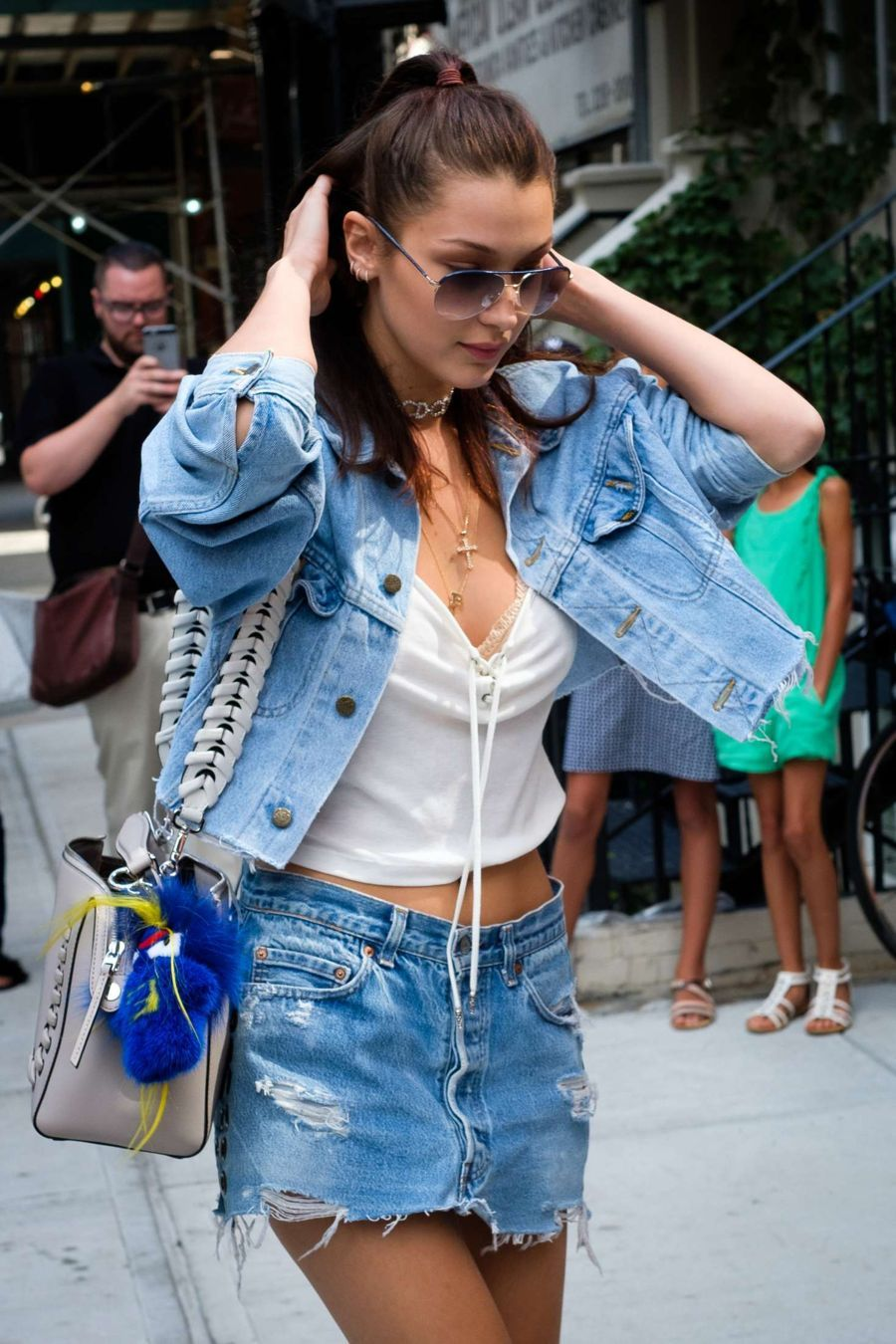 Bella Hadid - Arriving at Gigi Hadid's Apartment in NYC