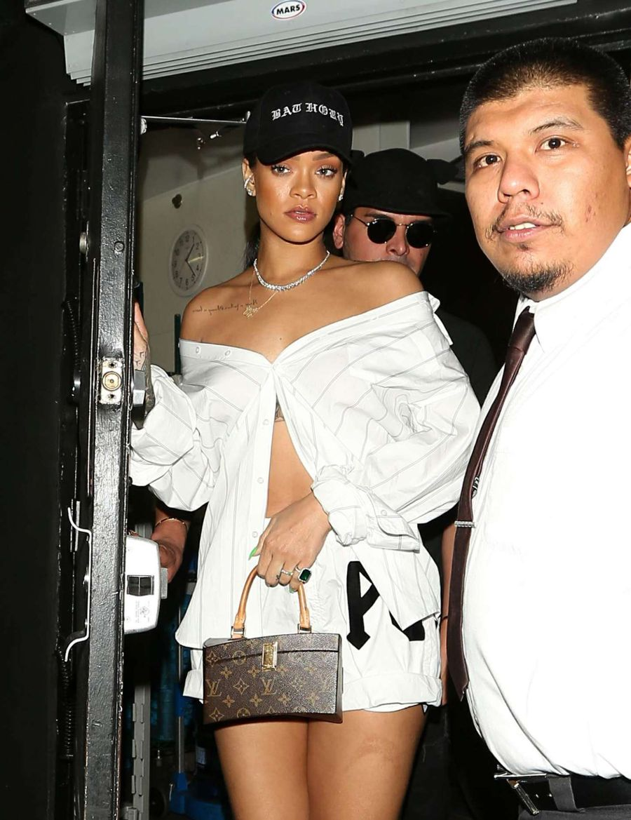 Rihanna - Leaves The Nice Guy in West Hollywood