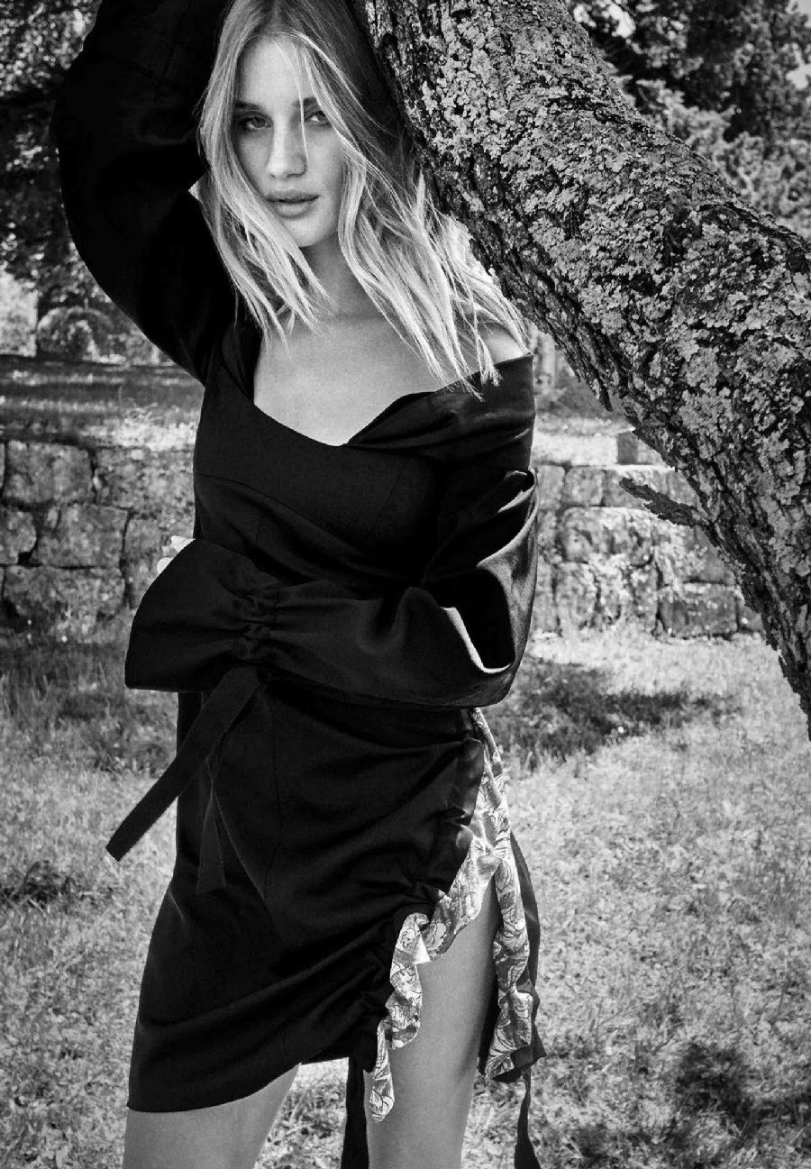 Rosie Huntington - Harper's Bazaar Australia (October 2016)