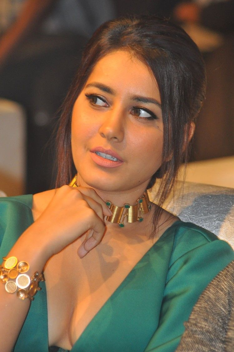 Raashi Khanna at Hyper Audio Launch