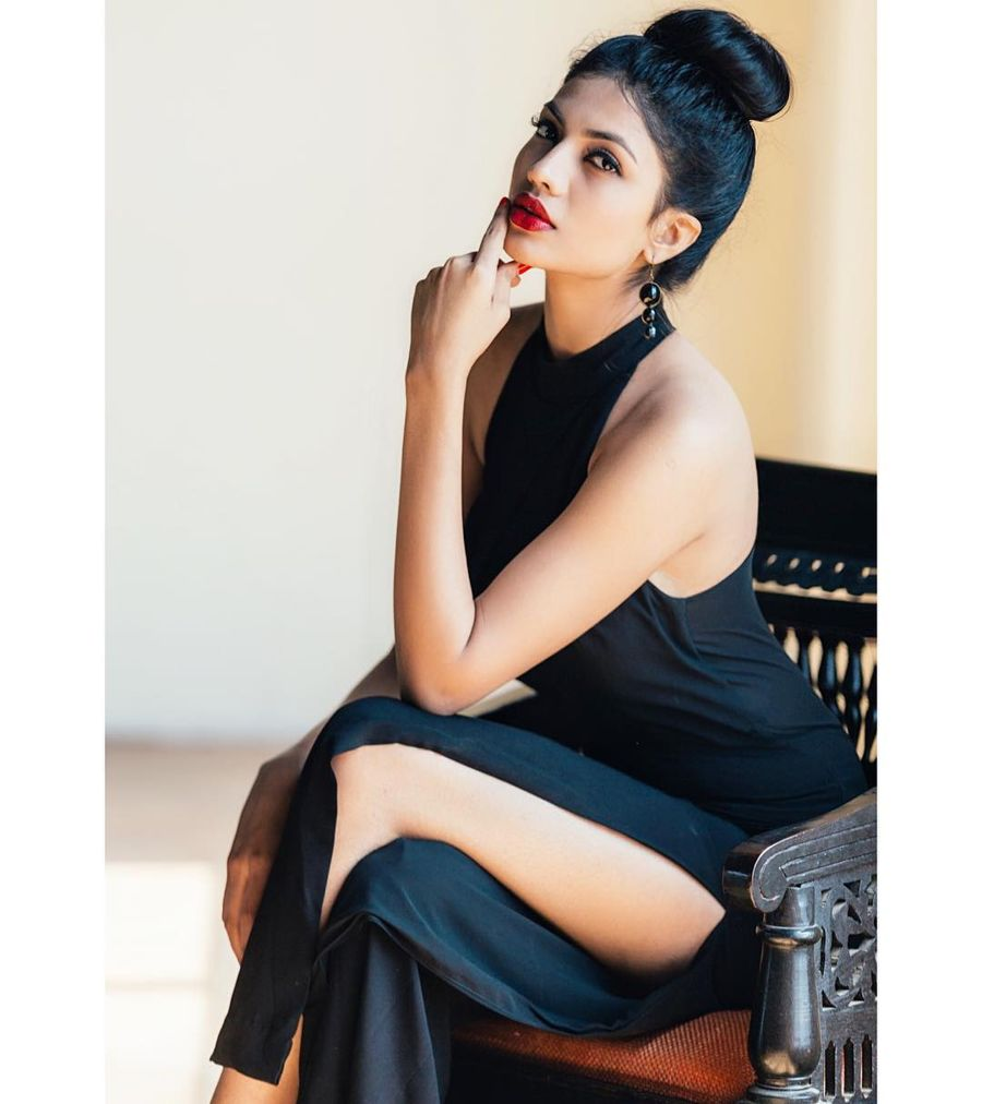 Urvi Shetty - Young Model on the Block