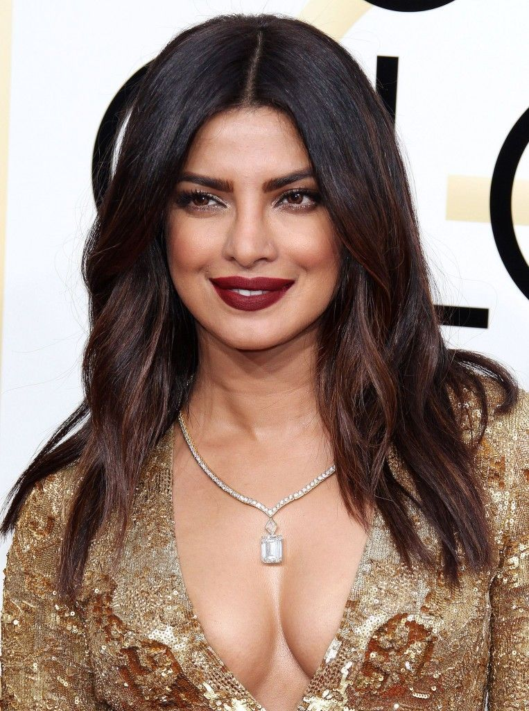 Golden Globes 2017: Priyanka Chopra Nails Red Carpet