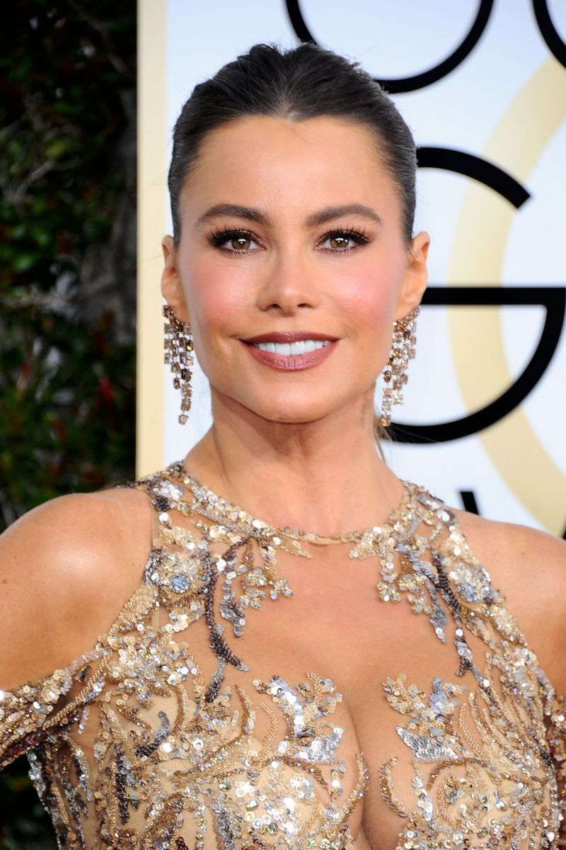 Sofia Vergara - 74th Annual Golden Globe Awards