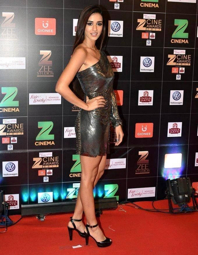Disha Patani Spotted at Fair & Lovely Zee Cine Awards 2017