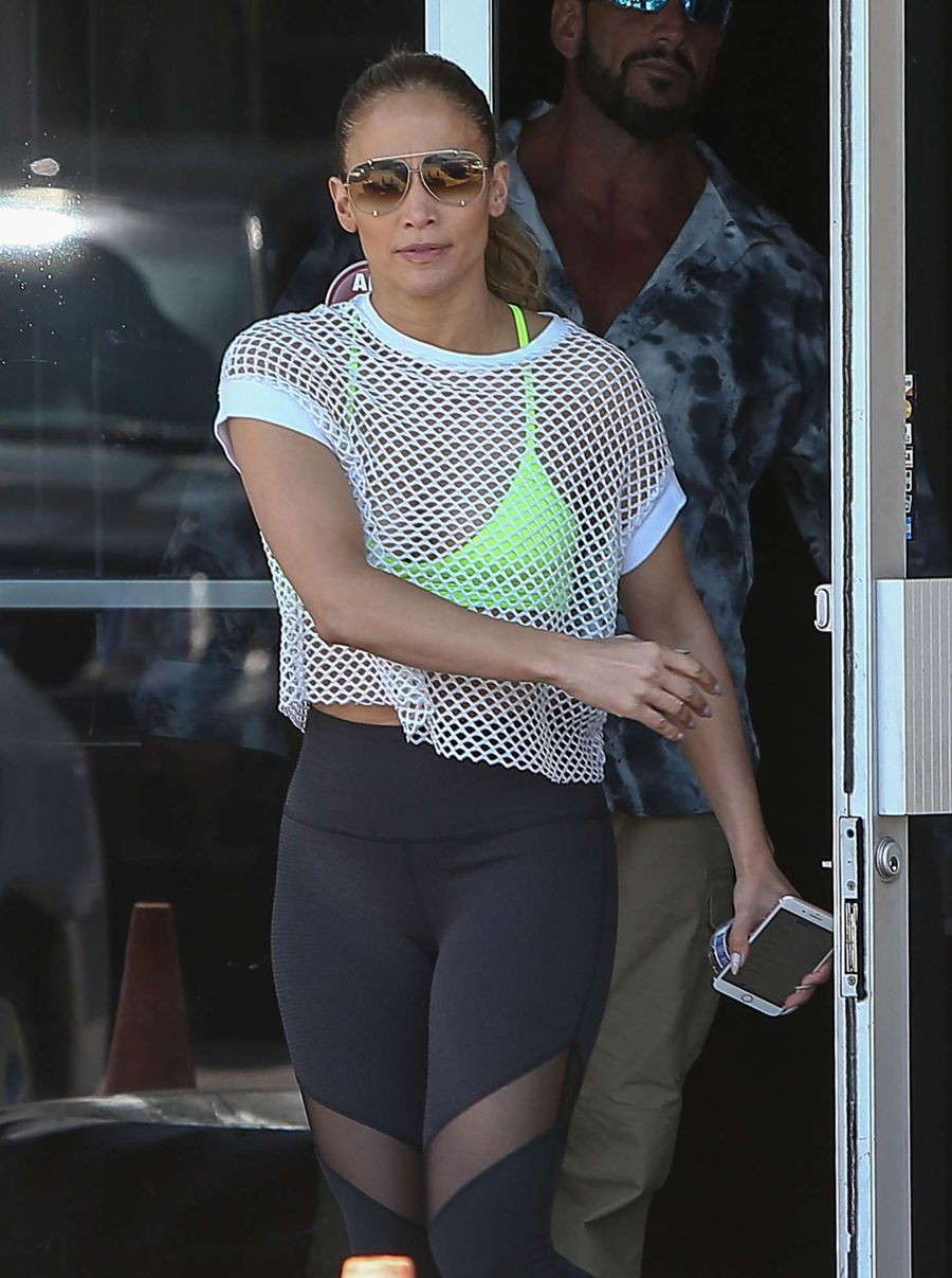 Jennifer Lopez in Tights heads to the Gym in Los Angeles