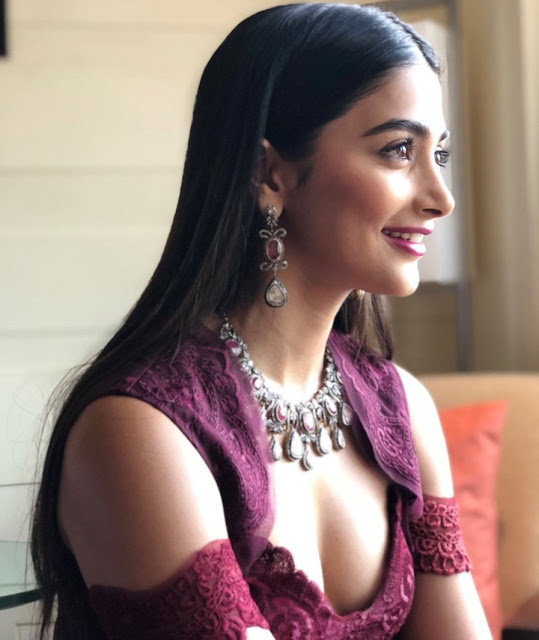 Pooja Hegde at IFFI 2017 Closing Ceremony