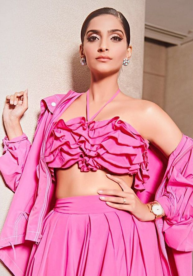 A ruffled affair in pink - Sonam Kapoor