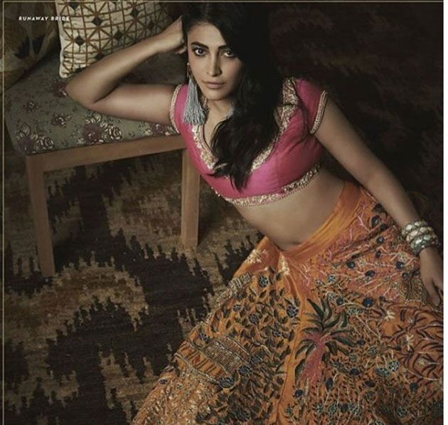 Shruti Haasan poses for Pernia Pop up