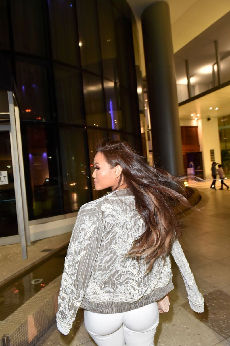 155d76d157318 Daphne Joy in Sports bra and joggers while out in Florida - Page 7 ...
