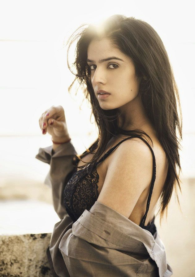 Paisa Actress Sidhika Sharma Instagram Portfolio