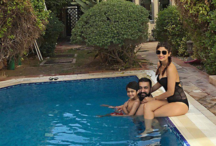 Shilpa Chilling With Husband in Swimsuit