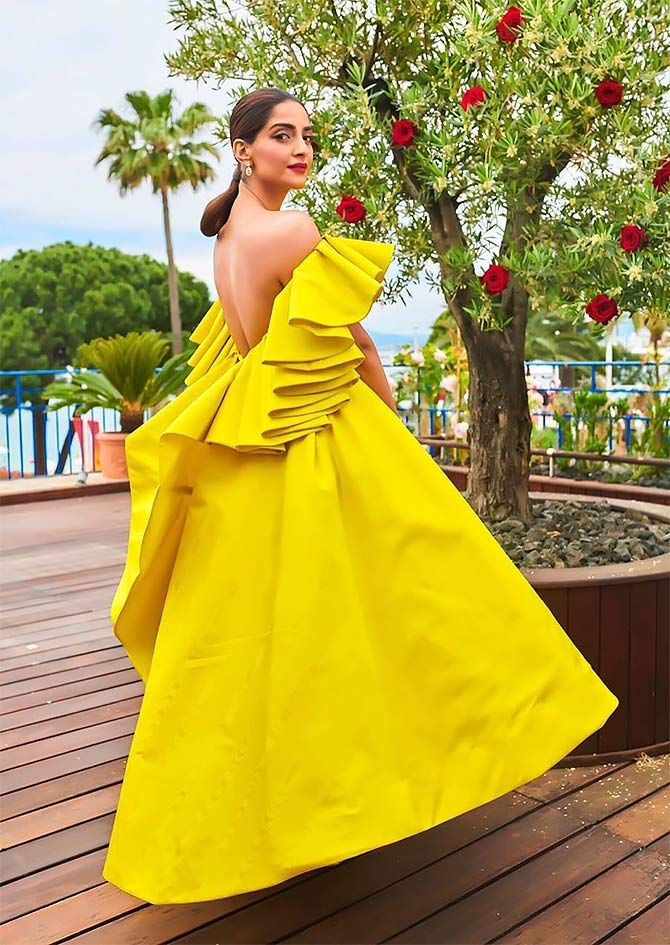 Sonam Kapoor unveiled Chopard's Garden Of Kings collection