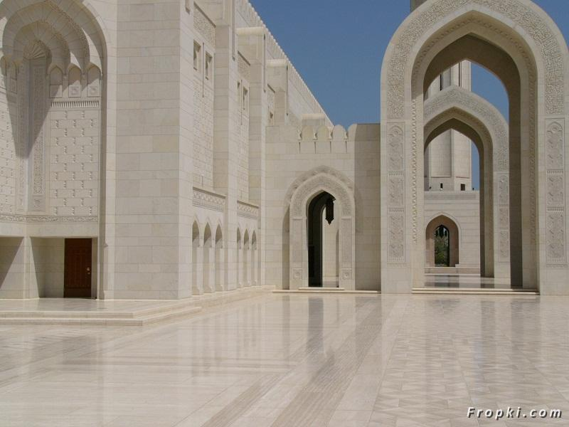 Mosques in Oman