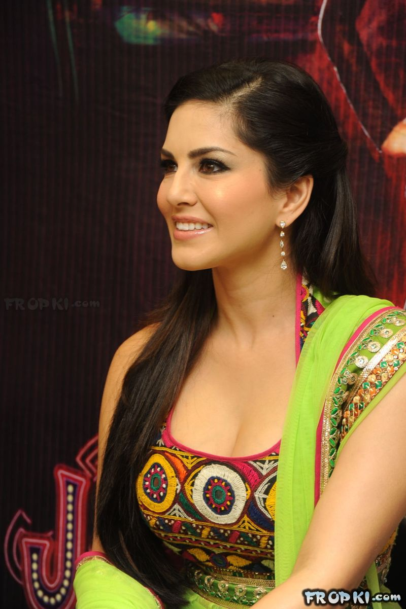 Sunny Leone Stills At Kanishka Store Launch