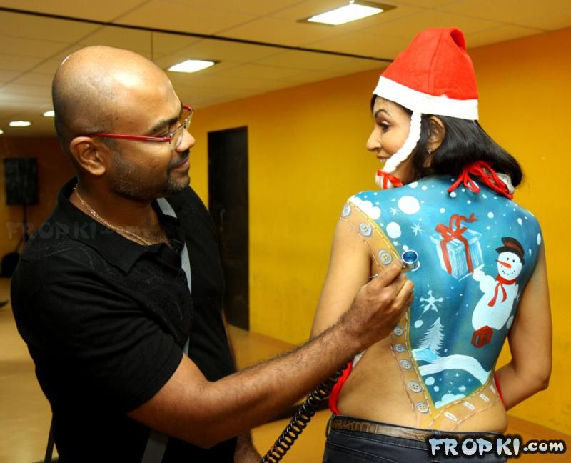 Chandi Perera Got Her Back Painted For Christmas