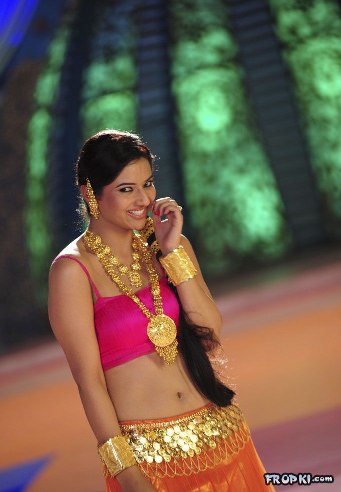 Isha Chawla New Spicy Photo Gallery