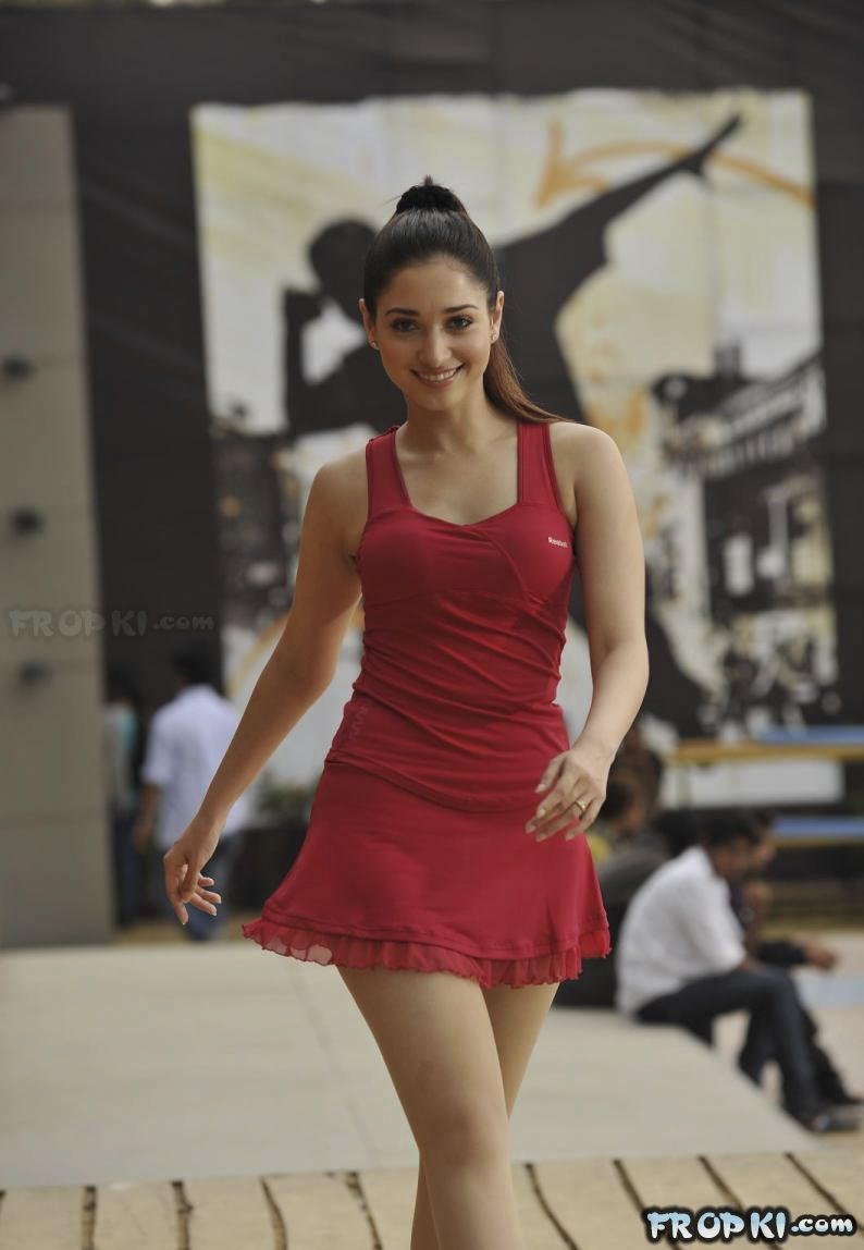 Actresses Hot Pics in Sleeveless frocks