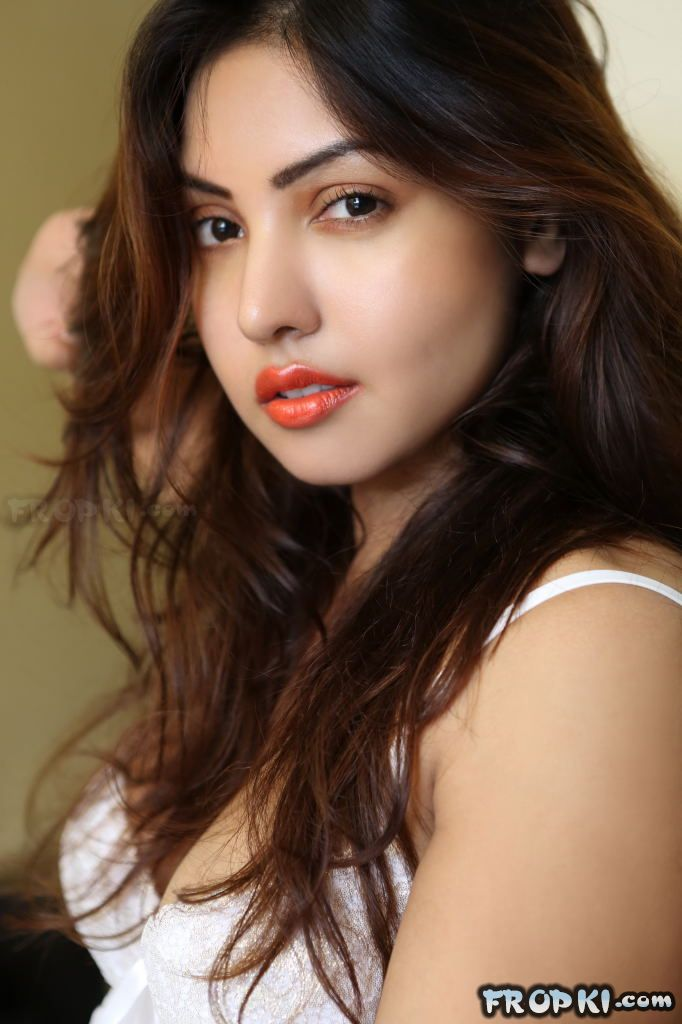 Komal Jha Spicy Photoshoot