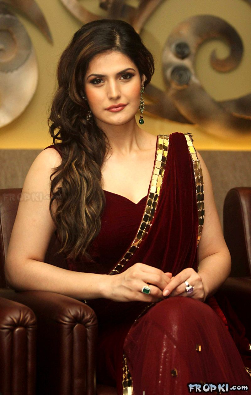 Zarine Khan at India Wedding Lounge