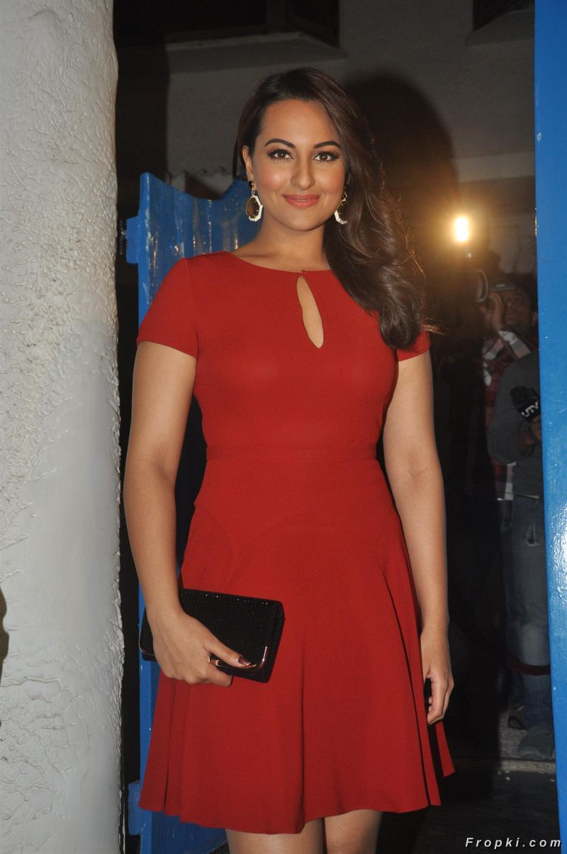 Bollywood Celebs At Dabboo Ratnani's 2014 Calendar Launch