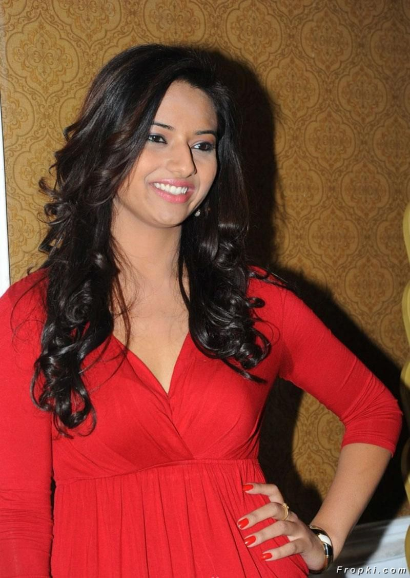 Isha Chawla Spicy Photos