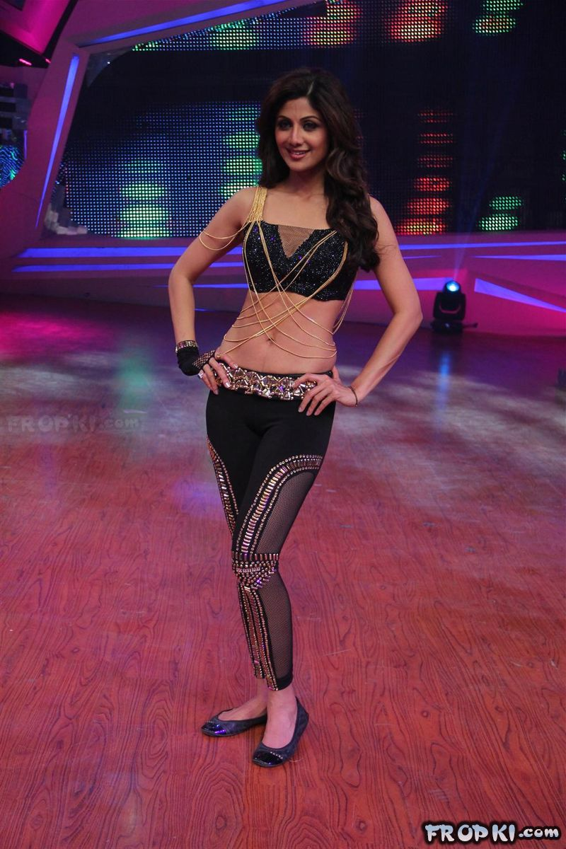 Shilpa Shetty Performs At Nach Baliye 6 Grand Finale