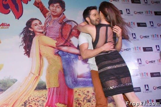 Varun Dhawan gets close to his Dulhania Alia Bhatt