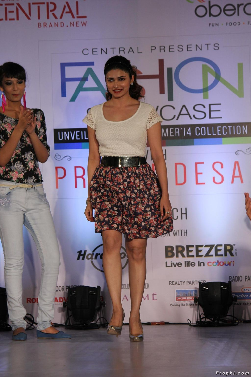 Prachi Desai Unveils Summer Collection