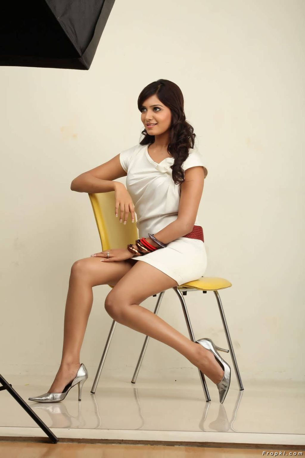 Samantha Spicy Stills in Skirts