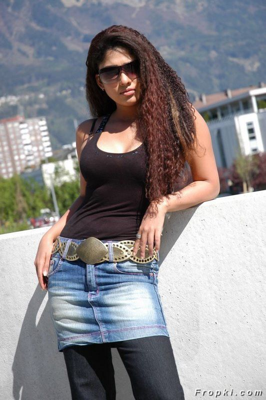 Nayantara Spicy Pics in Jeans