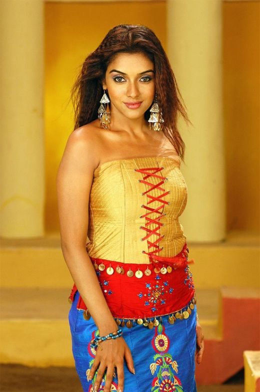 Top 10 Sexy South Indian Actresses