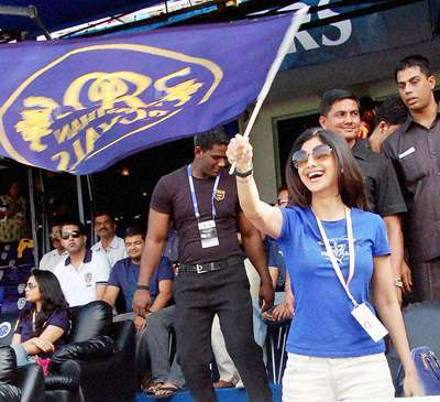 Moments in IPL 4 with Superstars