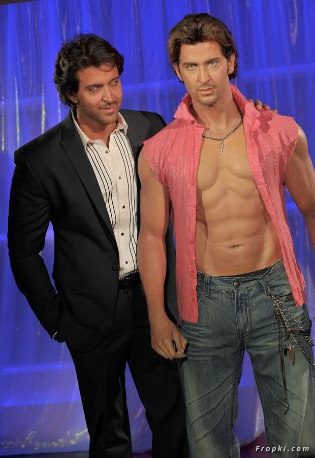 Hrithik unveils his wax figure at Madame Tussauds